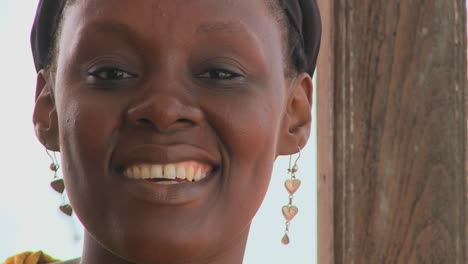 A-pretty-African-woman-smiles-at-the-camera