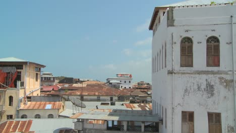 Time-lapse-shot-looking-over-the-rooftops-of-Stone-Town-Zanzibar