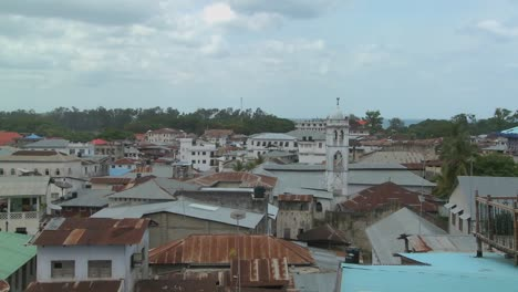 Un-Lapso-De-Tiempo-Rodado-Sobre-Los-Tejados-De-Stone-Town-Zanzibar