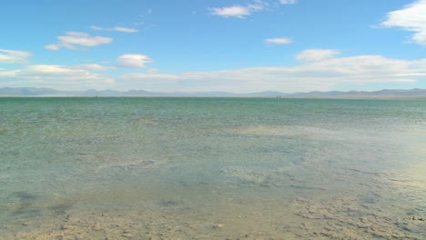 Slow-pan-across-Mono-Lake-on-a-windy-day