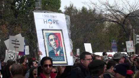 An-Obama-hope-sign-at-a-campaign-rally