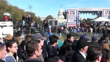 El-Mitin-De-Jon-Stewart-Stephen-Colbert-En-Washington-Dc