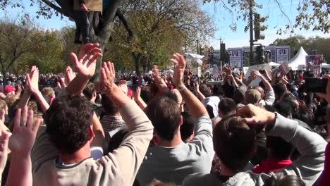 Thousands-of-protestors-applaud-en-masse-on-the-Washington-mall