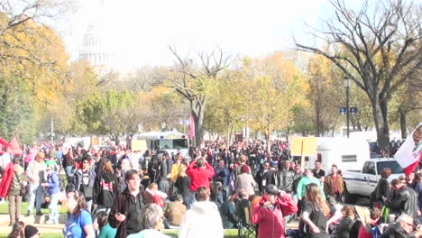 Large-crowds-gather-around-the-Capital-building-in-Washington-DC