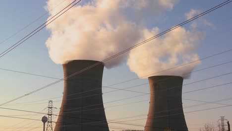 Steam-rises-from-the-Three-Mile-Island-nuclear-power-plant