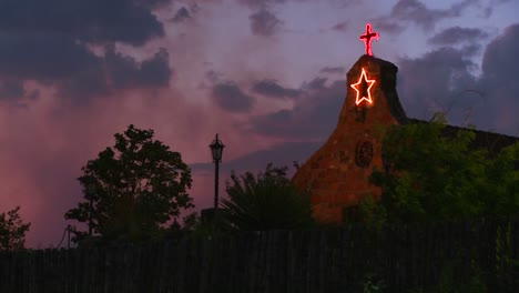 Una-Iglesia-De-Adobe-Al-Anochecer-1