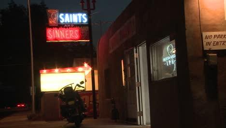 Los-Santos-Y-Pecadores-Bar-Y-Lounge-Night