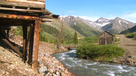Colorado-ghost-town-with-river-flowing