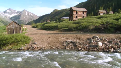 Colorado-ghost-town-with-river-flowing-1