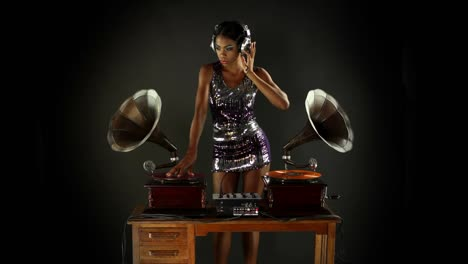 Woman-Dance-DJ-20