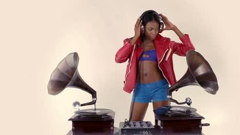 Woman-Dance-DJ-85