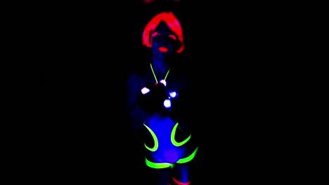 UV-Woman-0-03