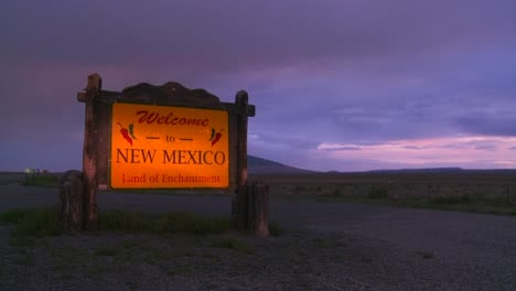 A-roadside-sign-welcomes-visitors-to-New-Mexico