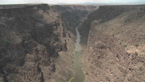 The-Rio-Grande-River-snakes-through-a-New-Mexico-canyon-1