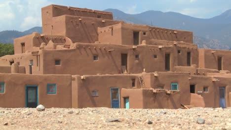 Establishing-shot-of-the-Taos-pueblo-New-Mexico-1