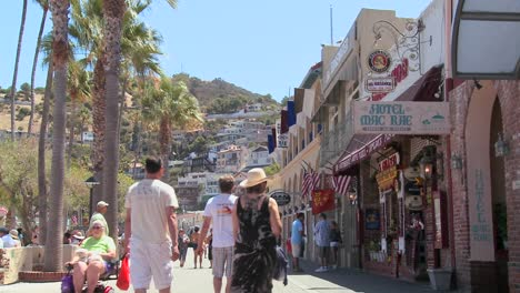 The-boardwalk-at-Catalina-Island-in-Southern-California-2