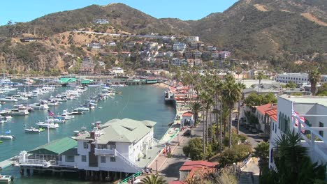 Overview-of-the-town-of-Avalon-on-catalina-Island