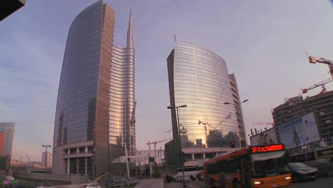 The-modern-skyline-of-Milan-Italy-2