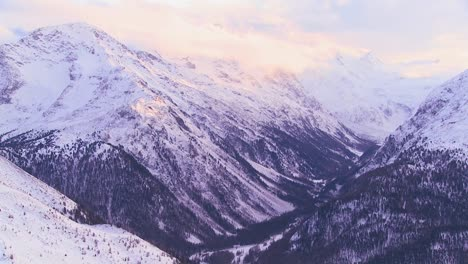Beautiful-panorama-of-the-Swiss-Alps-1