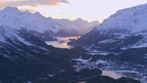 Beautiful-panorama-of-the-Swiss-Alps-3