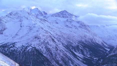 Beautiful-panorama-of-the-Swiss-Alps-4