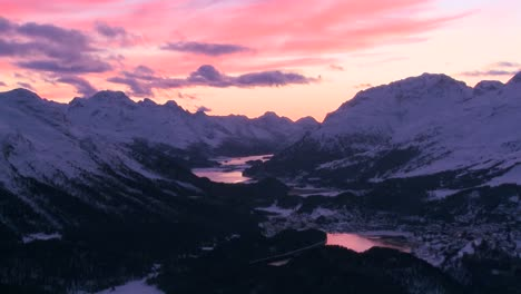 Beautiful-time-lapse-shot-of-sunset-behind-a-mountain-town-1