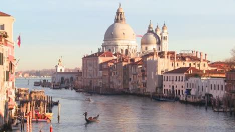 Beautiful-establishing-shot-of-Venice-Italy