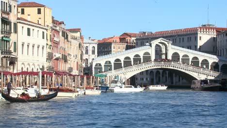 The-Rialto-Bridge-in-Venice-Italy-1