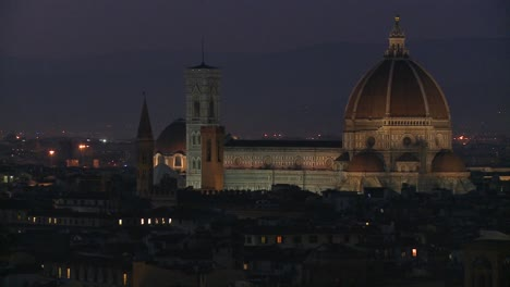 Florence-Italy-by-night-1