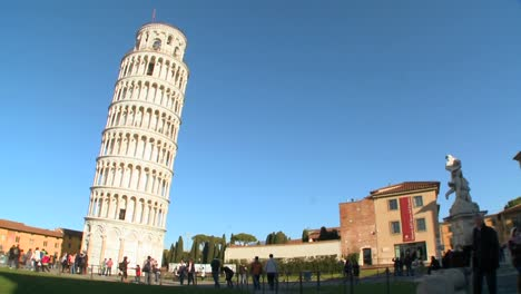 Wide-shot-of-the-famous-Leaning-Tower-of-Pisa-1