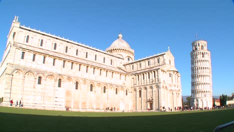 Wide-shot-of-the-basilica-of-the-famous-Leaning-Tower-of-Pisa