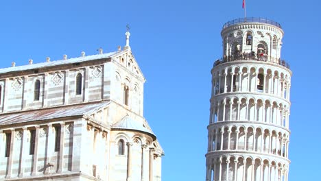 Close-up-of-the-basilica-and-leaning-tower-of-Pisa