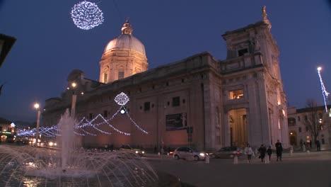 Christmas-decorations-around-an-Italian-church-square-2