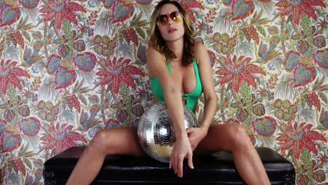 Woman-Dance-07