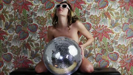 Woman-Dance-09