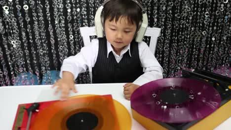 Child-DJ-28