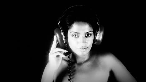 Woman-Headphones-Filtered-16