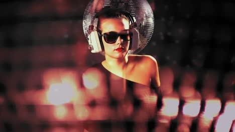 Woman-Solo-Disco-07