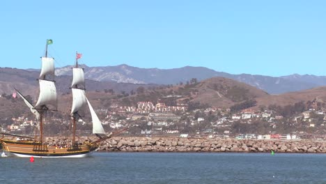 A-tall-master-schooner-sails-into-Ventura-harbor