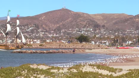 A-tall-master-schooner-sails-into-Ventura-harbor-1