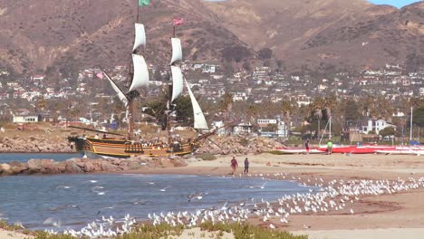 A-tall-master-schooner-sails-into-Ventura-harbor-2
