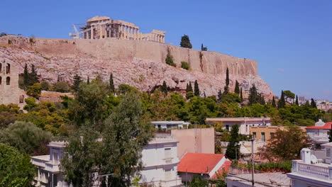 La-Acrópolis-Y-El-Partenón-En-La-Cima-De-La-Colina-En-Atenas-Grecia