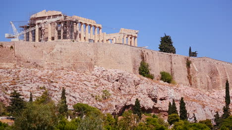 La-Acrópolis-Y-El-Partenón-En-La-Cima-De-Una-Colina-En-Atenas-Grecia-1