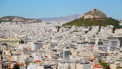 Plano-Amplio-De-Establecimiento-De-Atenas-Grecia-Bajo-Un-Sol-Brillante