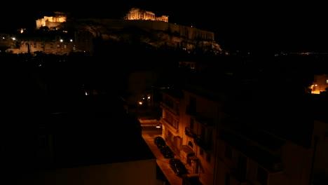 Fotografía-Nocturna-De-La-Acrópolis-Y-El-Partenón-En-La-Cima-De-Una-Colina-En-Atenas-Grecia-2