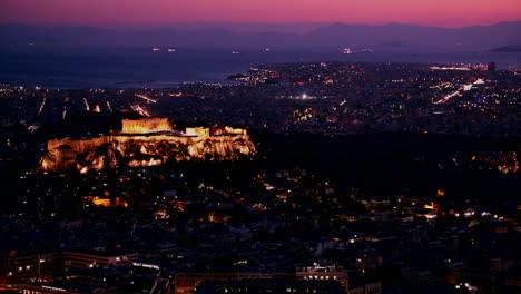 Hermosa-Toma-De-Establecimiento-De-Atenas-Grecia-Y-La-Acrópolis-Al-Anochecer-O-De-Noche