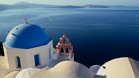 Gorgeous-churches-and-buildings-grace-the-island-of-Santorini-in-the-Greek-Islands