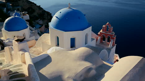 A-beautiful-Greek-Orthodox-church-on-the-Greek-island-of-Santorini