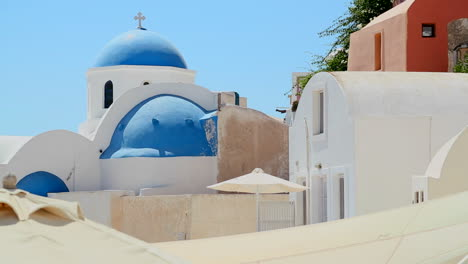 A-Greek-Orthodox-church-on-the-Greek-island-of-Santorini