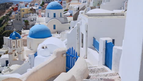 A-Greek-Orthodox-church-on-the-Greek-island-of-Santorini-3